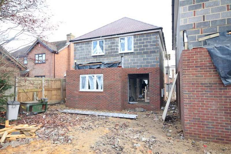3 Bedrooms Detached House for sale in 358 Brook Lane, Sarisbury Green SO31