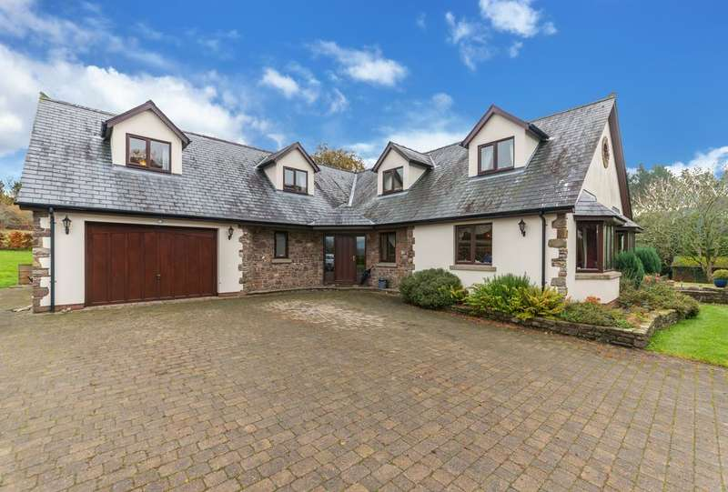 4 Bedrooms Detached House for sale in Candwr Road, Ponthir NP18