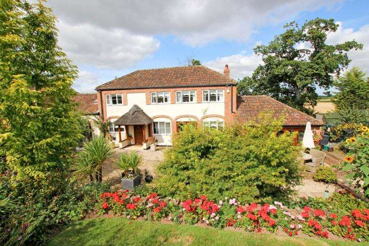 3 Bedrooms Detached House for sale in Woolmersdon, North Petherton, Bridgwater TA5