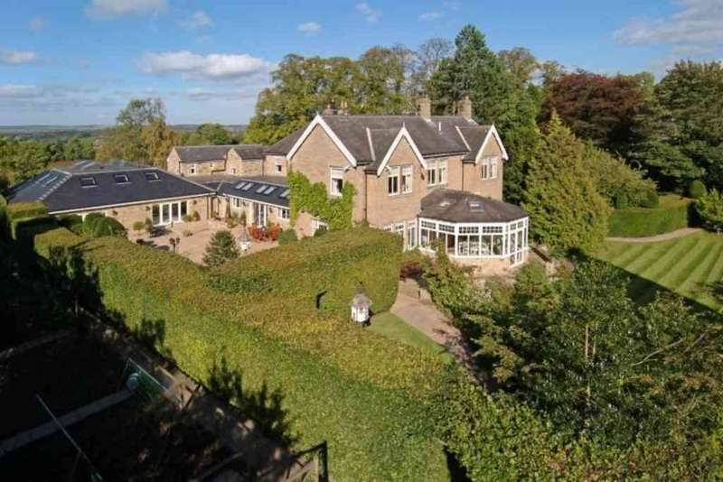 6 Bedrooms Detached House for sale in Halton Grange, Wall, Hexham, Northumberland, NE46 4EE