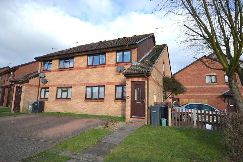 2 Bedrooms Maisonette Flat for sale in Ottershaw