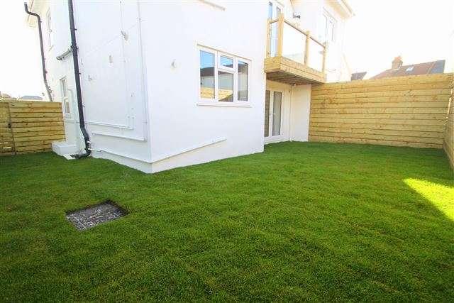 2 Bedrooms Flat for sale in Abinger Villas, Abinger Road, Portslade, East Sussex, BN41 1SD