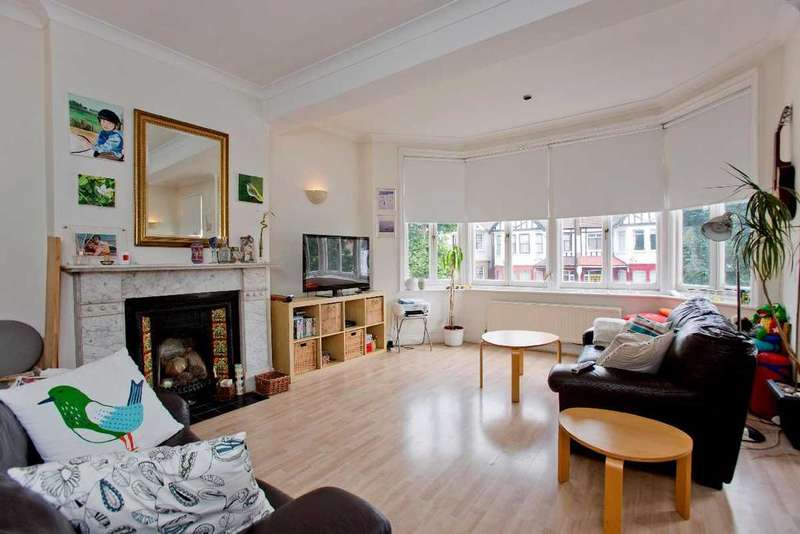 2 Bedrooms Flat for sale in Fox Lane, Palmers Green