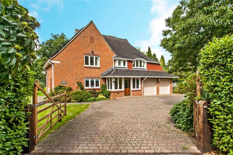 4 Bedrooms Detached House for sale in Fairfield Road, Shawford, Winchester, Hampshire, SO21