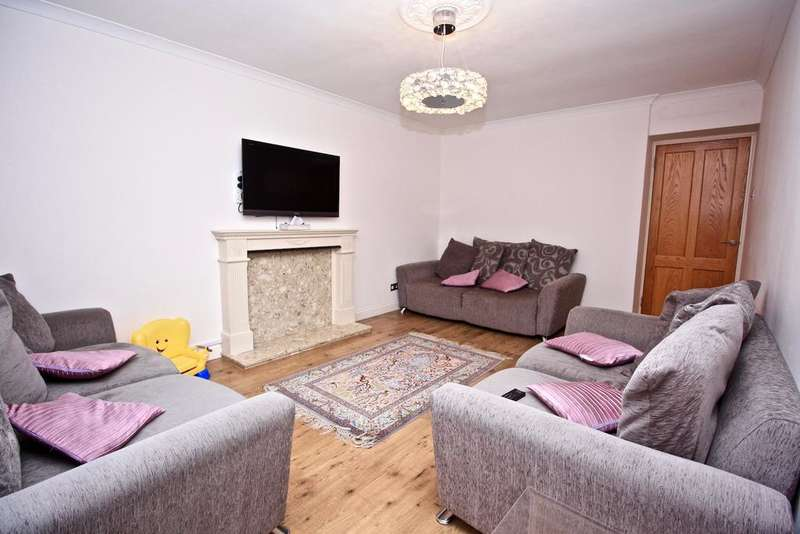 3 Bedrooms Flat for sale in Clement Close, Brondesbury Park NW6