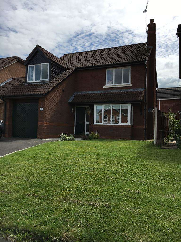 4 Bedrooms Detached House for sale in Dunham Crescent, Wistaston, Crewe CW2