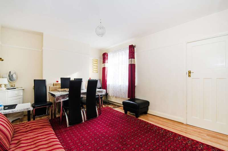 2 Bedrooms Maisonette Flat for sale in Locket Road, Wealdstone, HA3