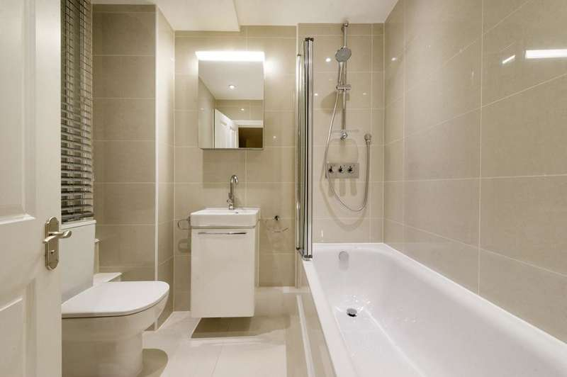 3 Bedrooms Flat for rent in Ridgmount Gardens, Bloomsbury, London WC1E