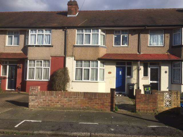 3 Bedrooms Terraced House for sale in Southland Way, Hounslow, Middx TW3