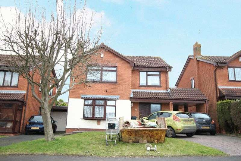 4 Bedrooms Detached House for sale in Windermere Drive, Kingswinford