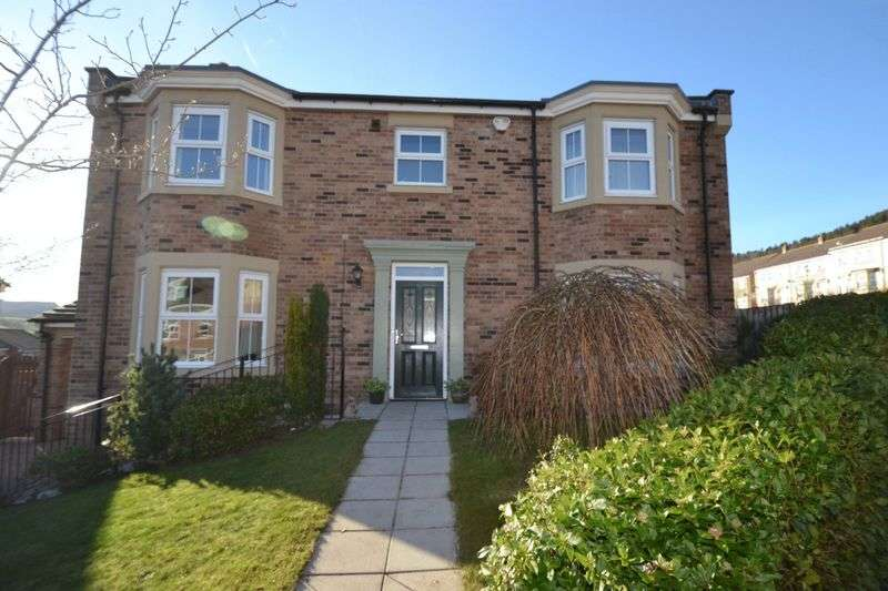 4 Bedrooms Detached House for sale in Whitton View, Rothbury
