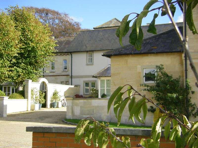 3 Bedrooms Cottage House for sale in Lower Road, Salisbury