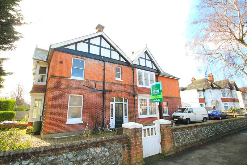 2 Bedrooms Apartment Flat for sale in Cowper Road, Worthing, West Sussex, BN11