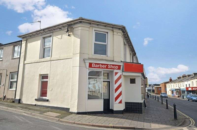 2 Bedrooms Flat for sale in Newton Abbot