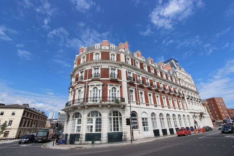 2 Bedrooms Flat for sale in South Western House