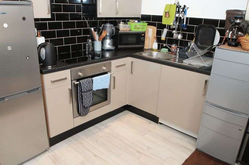 1 Bedroom Flat for rent in Connaught Road, Cardiff