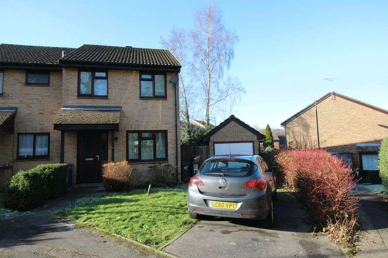 3 Bedrooms Terraced House for sale in Chaldon Road, Crawley