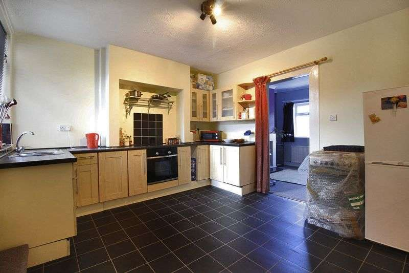 3 Bedrooms Terraced House for sale in Nelson Road, Rotherham