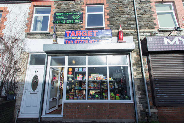 Retail Roperty (out Of Town) Commercial for rent in Broadway Street, Cardiff, Cardiff, CF24