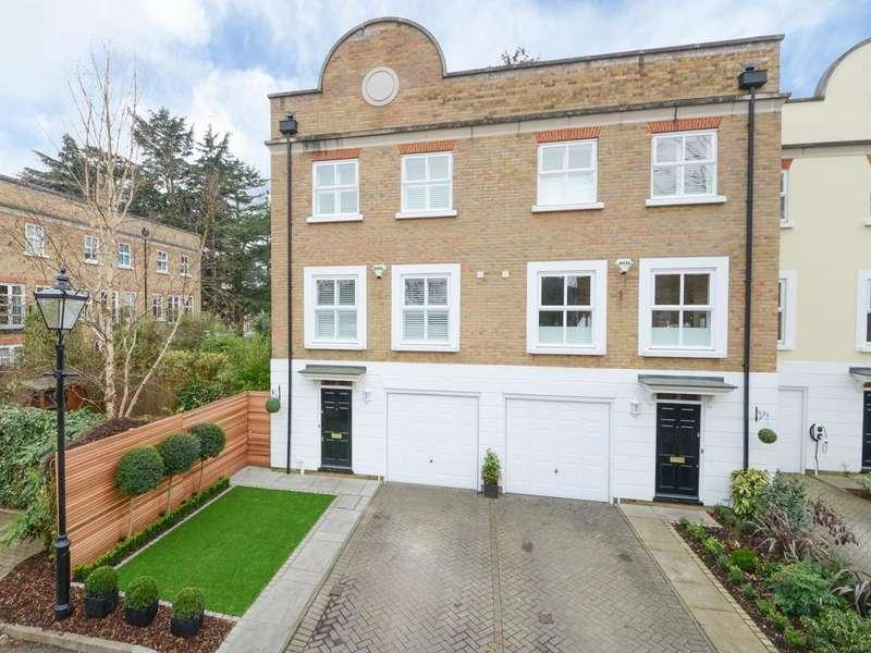 4 Bedrooms Semi Detached House for sale in The Laurels, Weybridge KT13