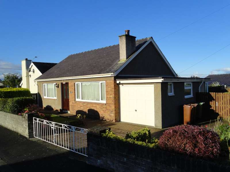 2 Bedrooms Detached Bungalow for sale in RHOS UCHAF, BANGOR LL57
