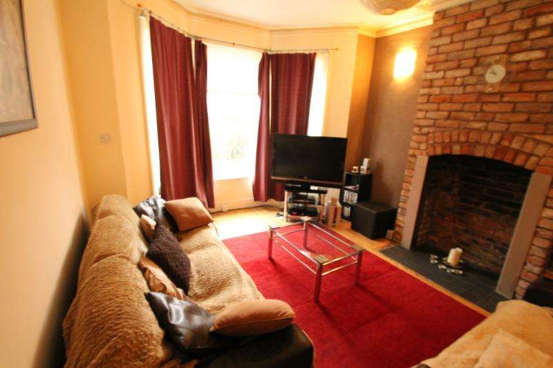 4 Bedrooms Town House for rent in 15 Fourth Avenue, Nottingham, NG7 6JB
