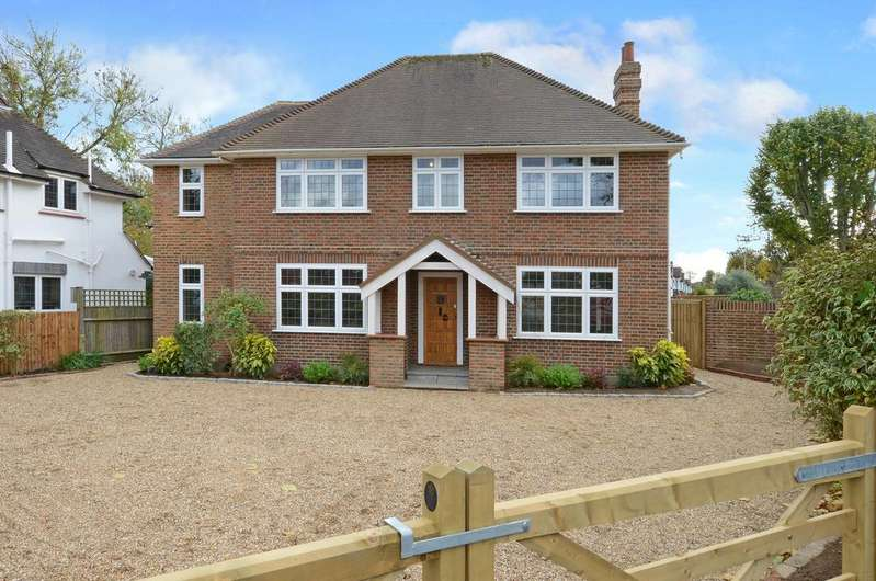 4 Bedrooms Detached House for sale in Embercourt Road, Thames Ditton KT7
