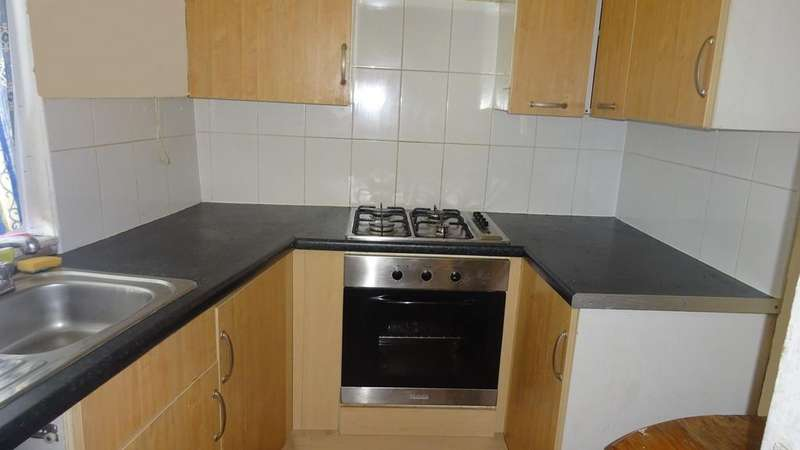 3 Bedrooms End Of Terrace House for sale in Staveley Road, Sheffield S8