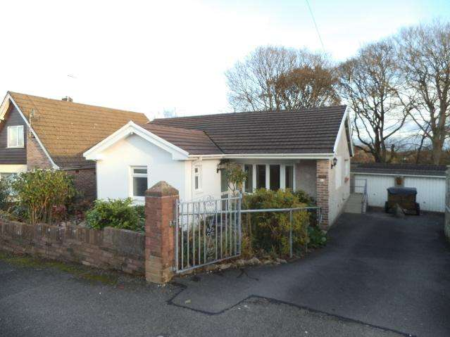2 Bedrooms Detached Bungalow for sale in Graham Avenue, Penyfai, Bridgend CF31
