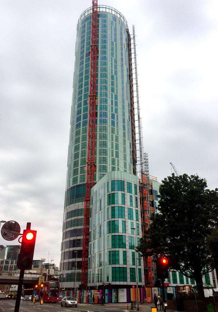 4 Bedrooms Residential Development Commercial for sale in Sky Gardens, Nine Elms, London SW8
