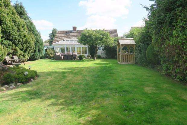 3 Bedrooms Detached Bungalow for sale in Newlands Road, Ruishton, Taunton TA3