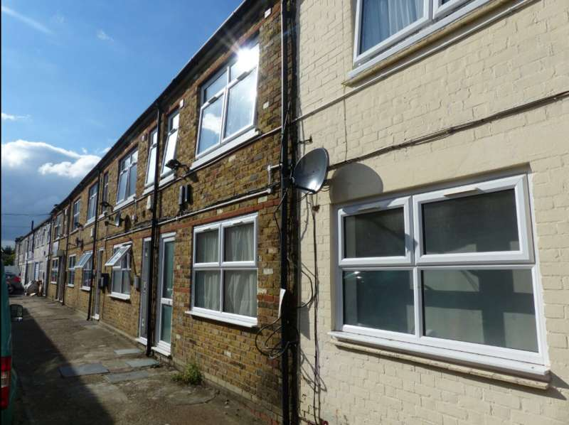 Studio Flat for sale in 16-22 Hermitage Lane,, South Norwood, London SE25