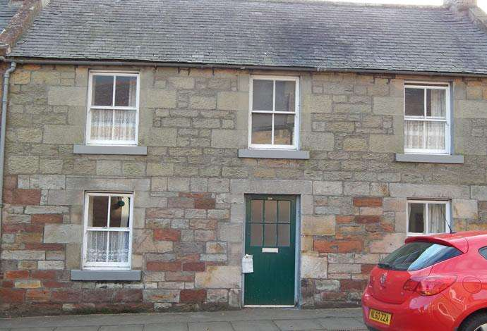 2 Bedrooms Terraced House for sale in 38 East High Street, Greenlaw, TD10 6UF
