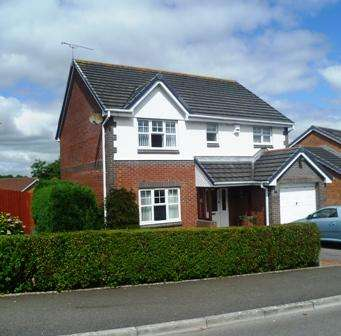 4 Bedrooms Detached House for sale in Ffordd Cwm Cidi, Barry CF62