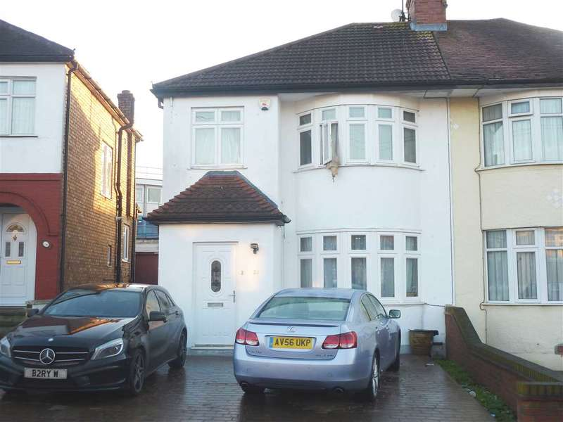 3 Bedrooms Semi Detached House for sale in Grove Crescent, London