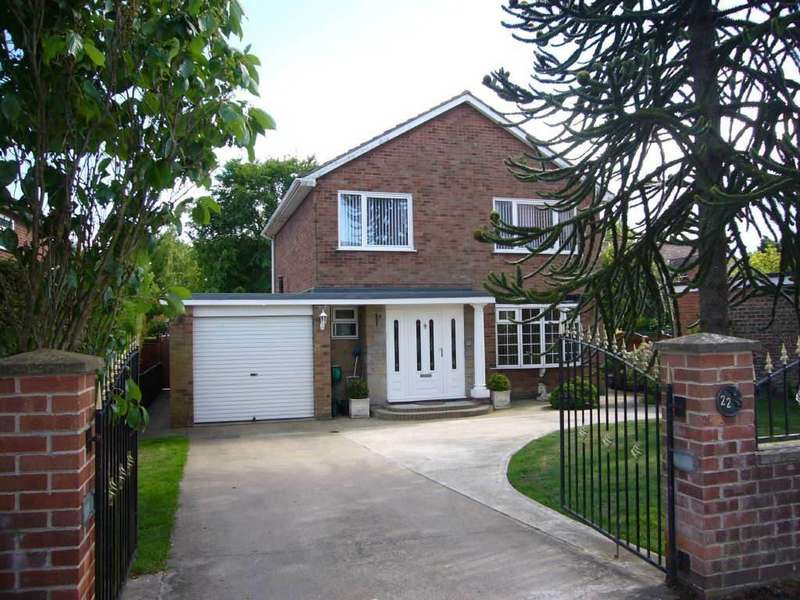 3 Bedrooms Detached House for sale in Cliffe, Nr Selby