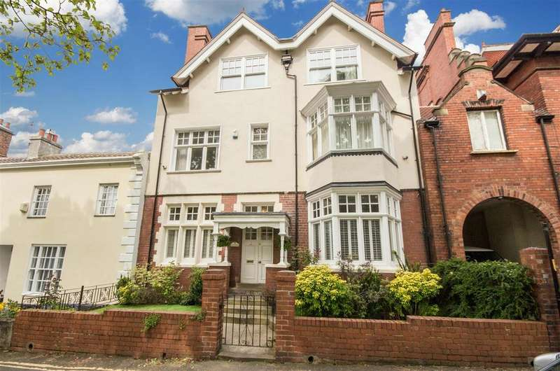 6 Bedrooms Terraced House for sale in Glandore, 11 Westoe Village, South Shields, Tyne and Wear NE33