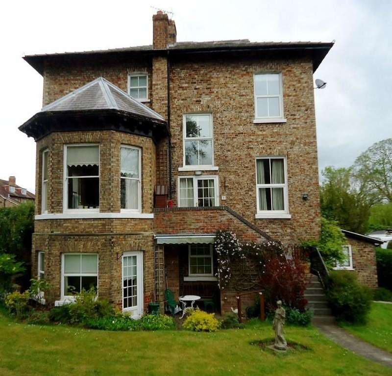 2 Bedrooms Ground Flat for sale in 2 Brookbank House, 21 Welham Road, Norton, YO17 9DP