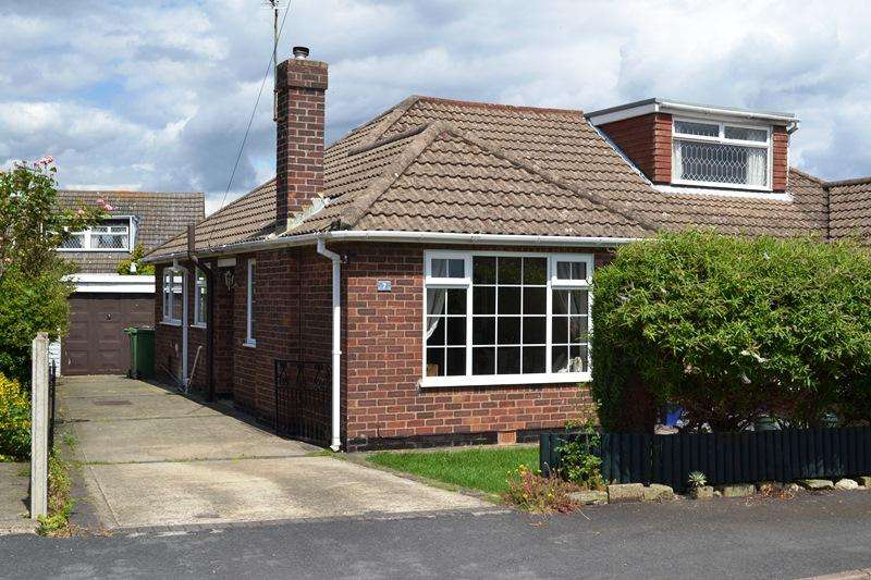 2 Bedrooms Semi Detached Bungalow for sale in Burcom Avenue, Humberston DN36
