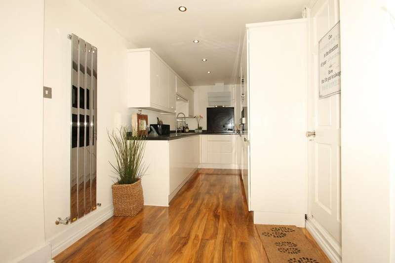 4 Bedrooms Terraced House for sale in se13