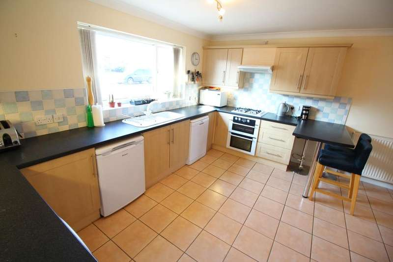 4 Bedrooms Semi Detached House for sale in Oxborough Road, Arnold, Nottingham NG5