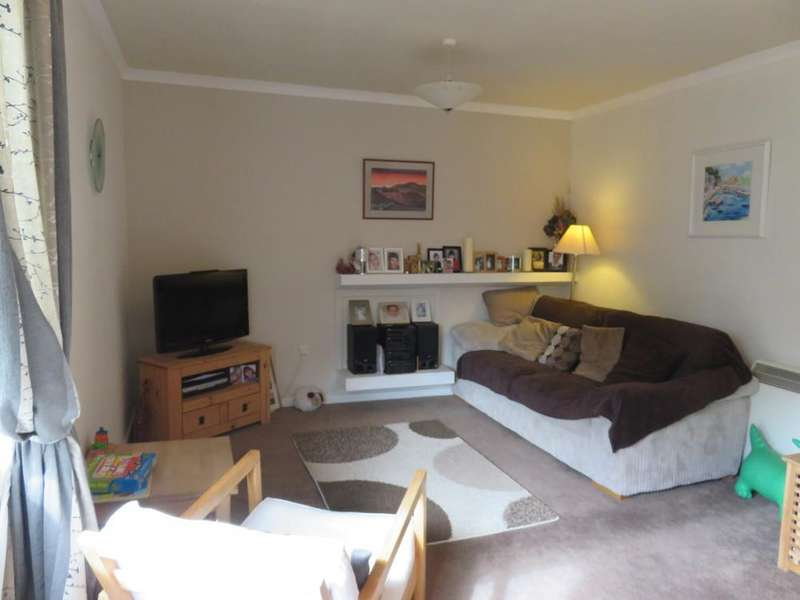 3 Bedrooms Apartment Flat for sale in Upper Maisonette 20 Churchill Court, Aberfeldy PH15 2AT