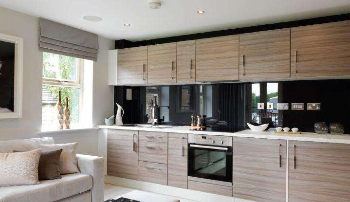 2 Bedrooms Apartment Flat for rent in Holts Crest Way,, Leeds LS12