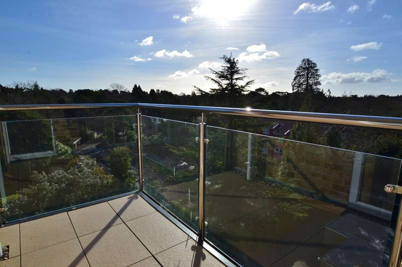 2 Bedrooms Flat for sale in Branksome Park