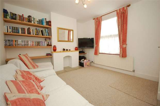 3 Bedrooms Terraced House for sale in Martins Road, BROMLEY, Kent