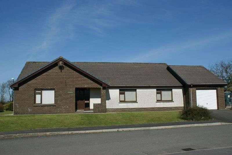 3 Bedrooms Detached Bungalow for sale in 28 Parc yr Inn, Llandysul, Ceredigion SA44