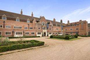 2 Bedrooms Flat for sale in King Edward VII Apartments, Kings Drive, Midhurst, West Sussex