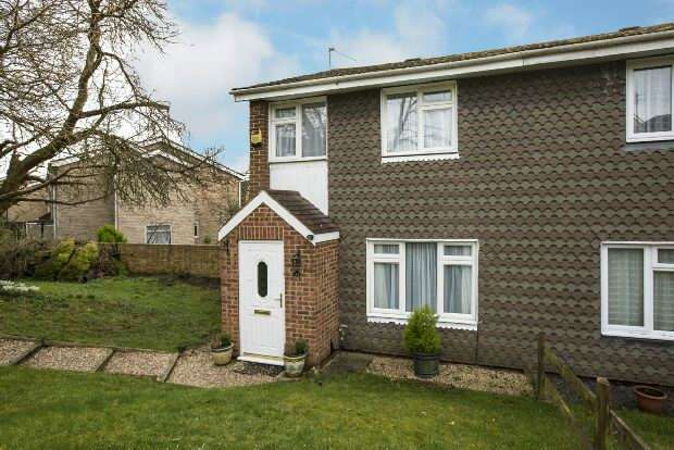 3 Bedrooms Semi Detached House for sale in Fircroft Close, Tilehurst, Reading,