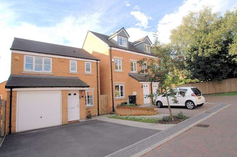 3 Bedrooms Detached House for sale in Newson Court, Lightcliffe, Halifax HX3