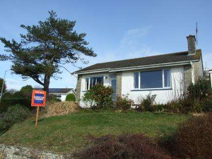 2 Bedrooms Bungalow for sale in Newquay, Cornwall